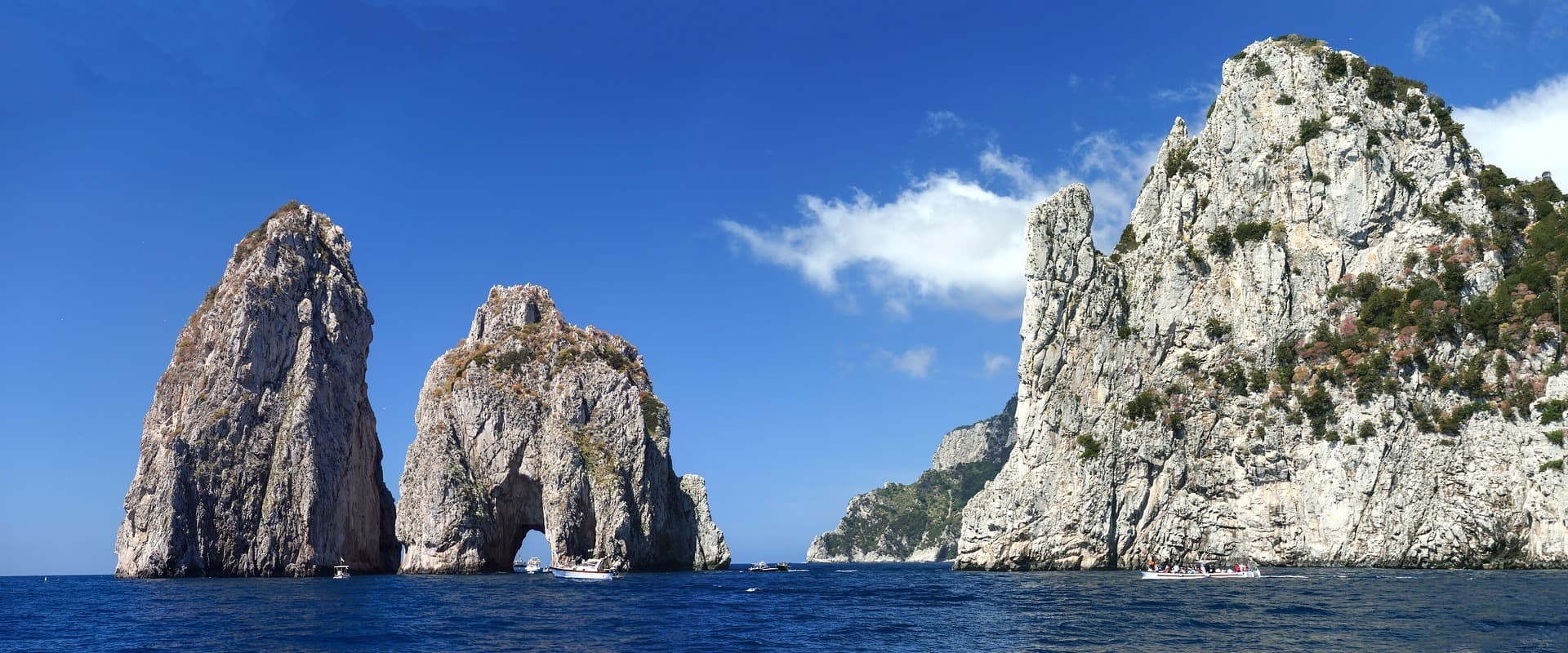Liveaboards in Italy - LiveAboard.com