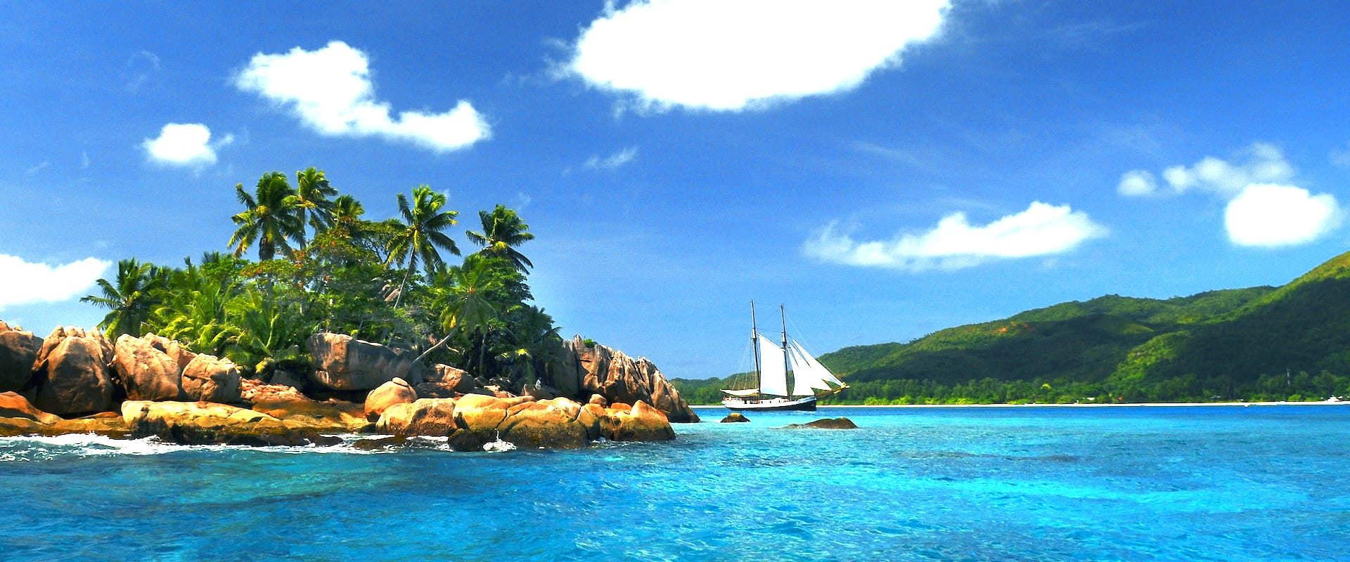 4 Liveaboards in Seychelles - LiveAboard.com